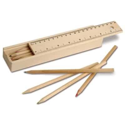 Scatola in legno con 12 matite colorate