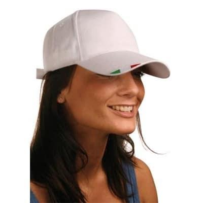 Cappellino con bandiera italiana sulla visiera